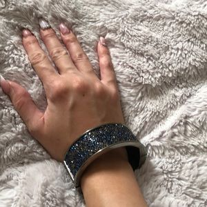 💜free gift with purchase💜Sparkly magnet bangle